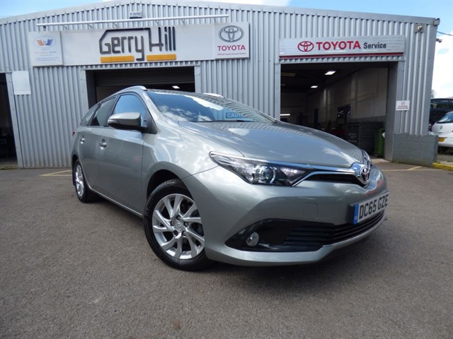 used Toyota Auris D-4D Business Edition Touring Sports in aberdare