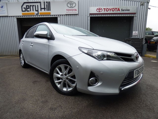 used Toyota Auris Excel D-4D in aberdare