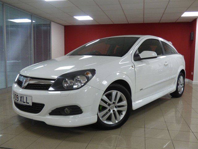 used Vauxhall Astra SXI in aberdare