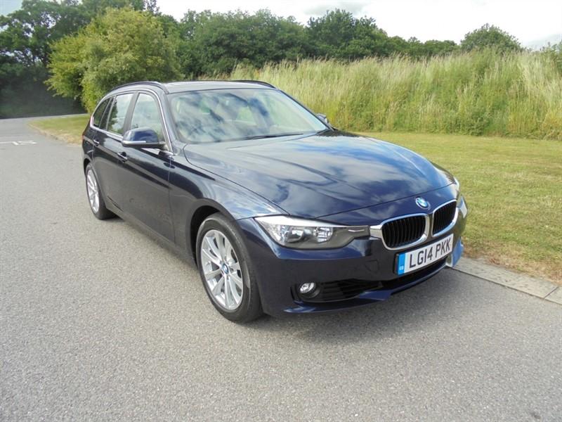 used BMW 320i SE TOURING MANUAL ESTATE in surrey