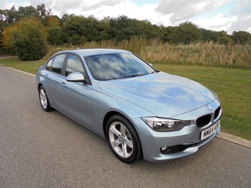 used BMW 320i SE AUTO SALOON in surrey