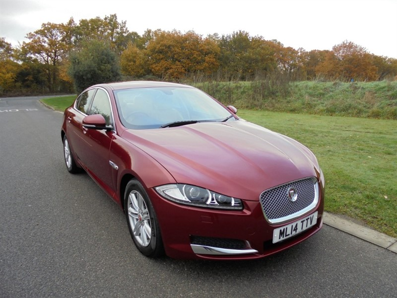 used Jaguar XF D LUXURY 2.2 AUTO SALOON in surrey