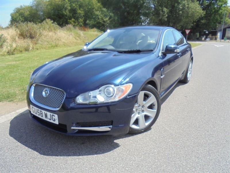 used Jaguar XF PREMIUM LUXURY V6 AUTO in surrey