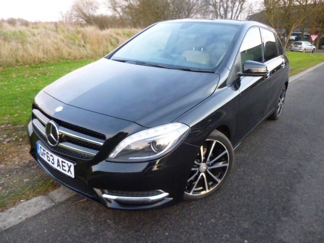 used Mercedes B180 CDI BLUEEFFICIENCY SPORT AUTO in surrey