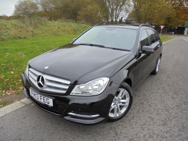 used Mercedes C180 BLUEEFFICIENCY EXECUTIVE SE AUTO ESTATE in surrey