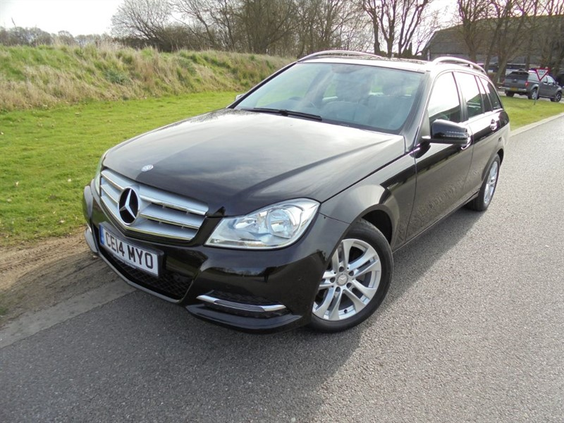 used Mercedes C220 CDI EXECUTIVE SE AUTO ESTATE in surrey