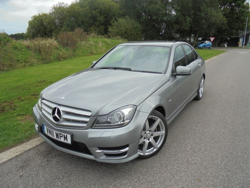 used Mercedes C220 CDI BLUEEFFICIENCY SPORT AUTO in surrey