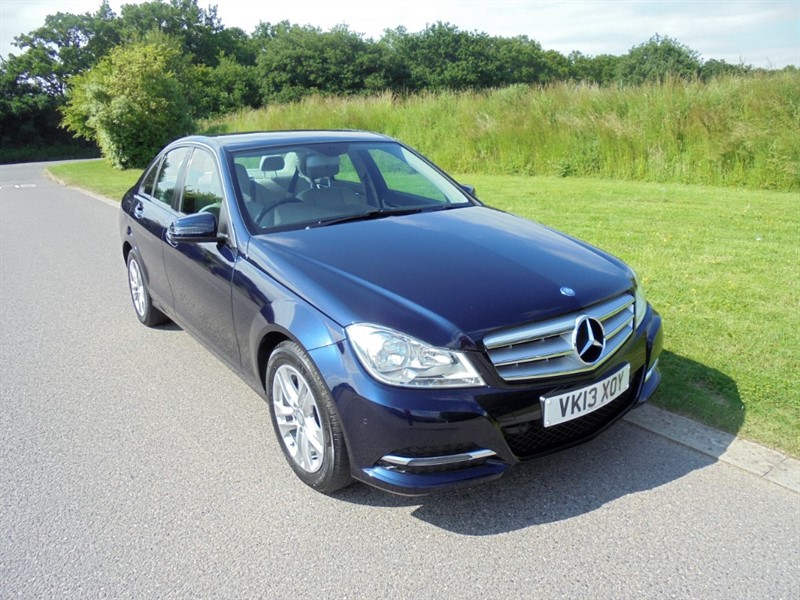 used Mercedes C180 BLUEEFFICIENCY EXECUTIVE SE AUTO in surrey