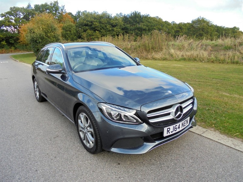 used Mercedes C200 SPORT AUTO 2.0 ESTATE in surrey