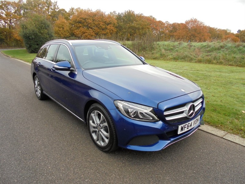used Mercedes C200 SPORT 2.0 AUTO ESTATE in surrey