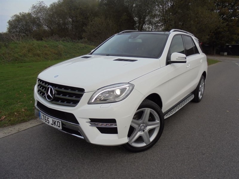 used Mercedes ML350 BLUETEC AMG LINE PREMIUM AUTO in surrey