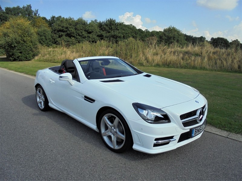 used Mercedes SLK200 SLK200 BLUEEFFICIENCY AMG SPORT AUTO in surrey
