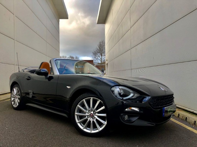 used Fiat 124 Spider MULTIAIR LUSSO PLUS (4211 MILES,ONE PRIVTE OWNER,AUTO) in cardiff-glamorgan