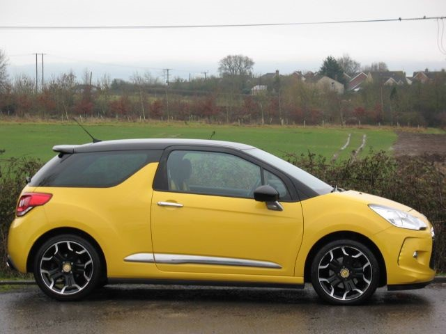 used sport yellow citroen ds3 for sale wiltshire. Black Bedroom Furniture Sets. Home Design Ideas
