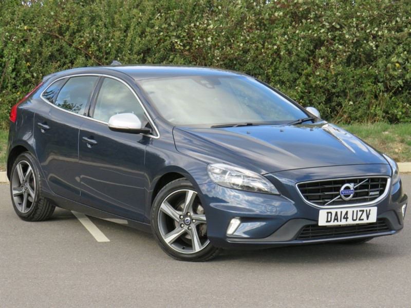 used Volvo V40 D2 R-DESIGN in swindon-wiltshire