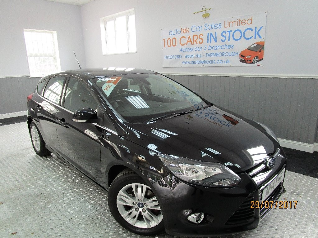 used Ford Focus TITANIUM NAVIGATOR in surrey