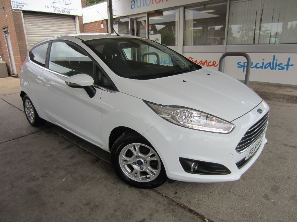 used Ford Fiesta TITANIUM ECONETIC TDCI in surrey