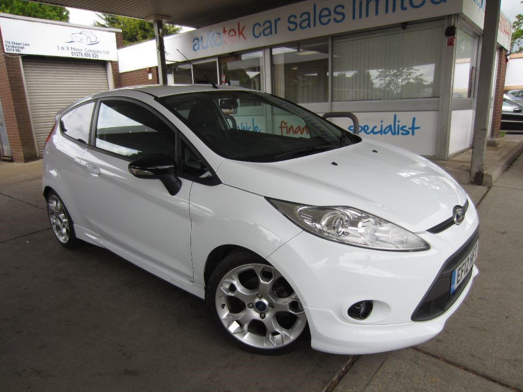 used Ford Fiesta ZETEC S in surrey