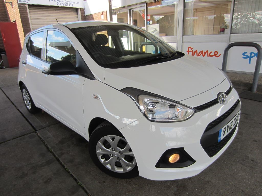 used Hyundai i10 S BLUE DRIVE in surrey