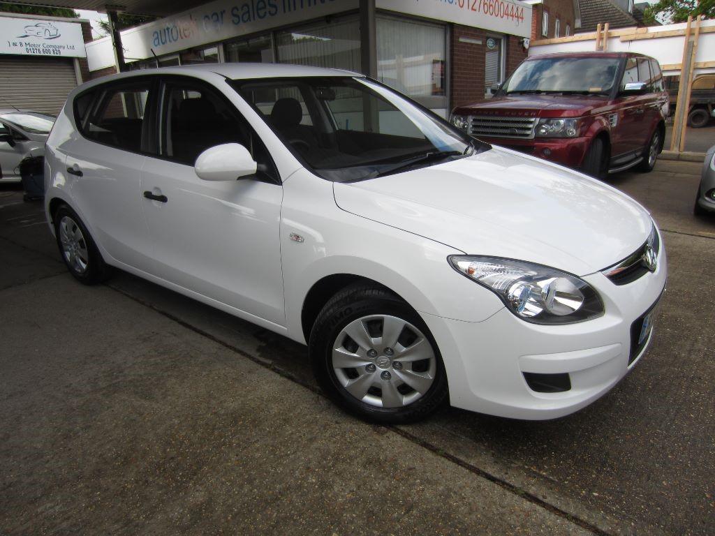 used Hyundai i30 COMFORT in surrey