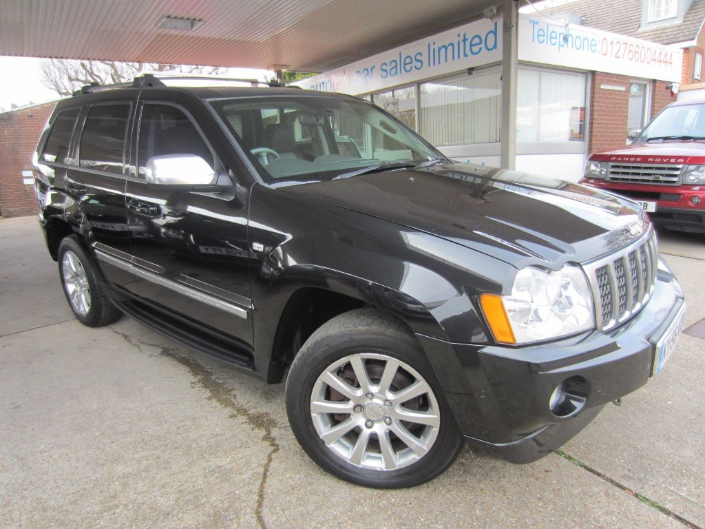 used Jeep Grand Cherokee V6 CRD OVERLAND in surrey