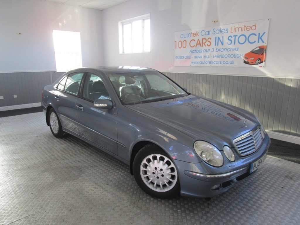 used Mercedes E320 E320 CDI ELEGANCE in surrey