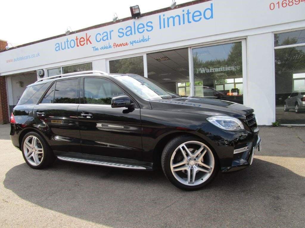 used Mercedes ML350 BLUETEC AMG SPORT in surrey