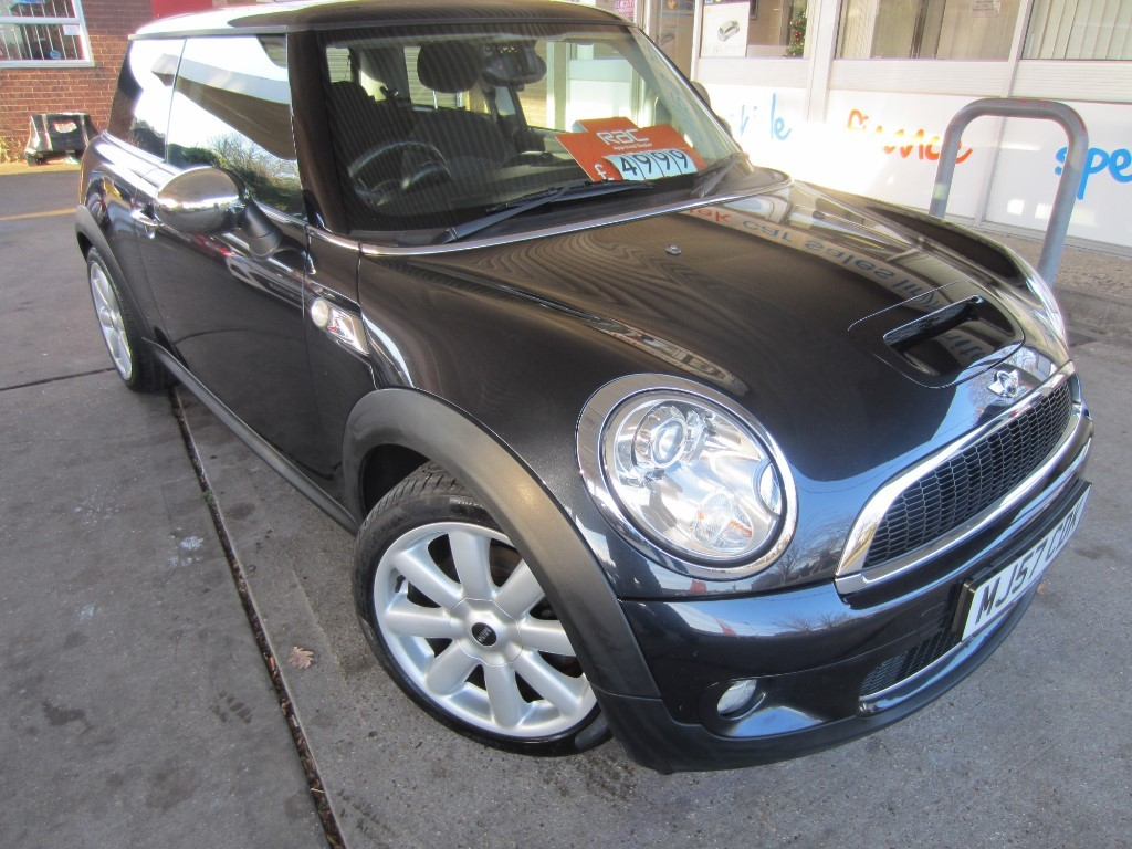 used MINI Cooper S COOPER S in surrey