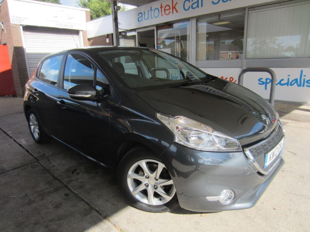 used Peugeot 208 ACTIVE in surrey