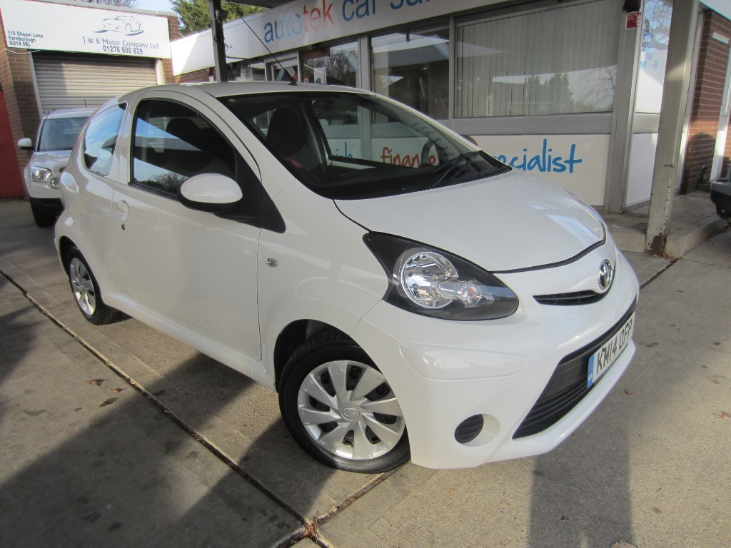 used Toyota Aygo VVT-I MOVE in surrey