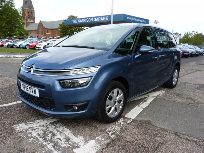 used Citroen C4 Picasso GRAND BLUEHDI VTR PLUS in hampshire-and-surrey