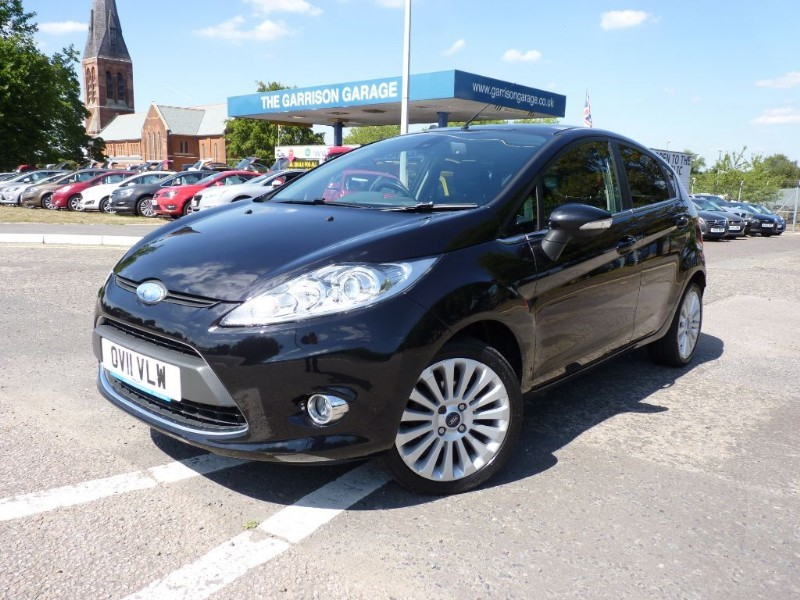 used Ford Fiesta TITANIUM in hampshire-and-surrey