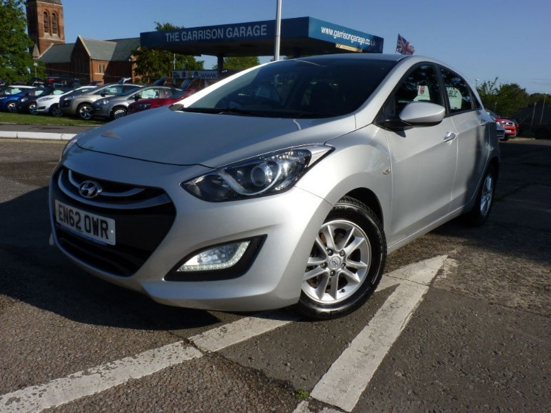 used Hyundai i30 ACTIVE BLUE DRIVE CRDI in hampshire-and-surrey