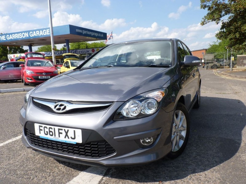 used Hyundai i30 COMFORT in hampshire-and-surrey