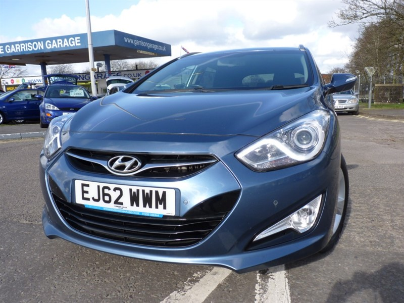 used Hyundai i40 CRDI STYLE BLUE DRIVE in hampshire-and-surrey