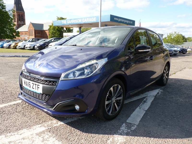 used Peugeot 208 XS WHITE in hampshire-and-surrey