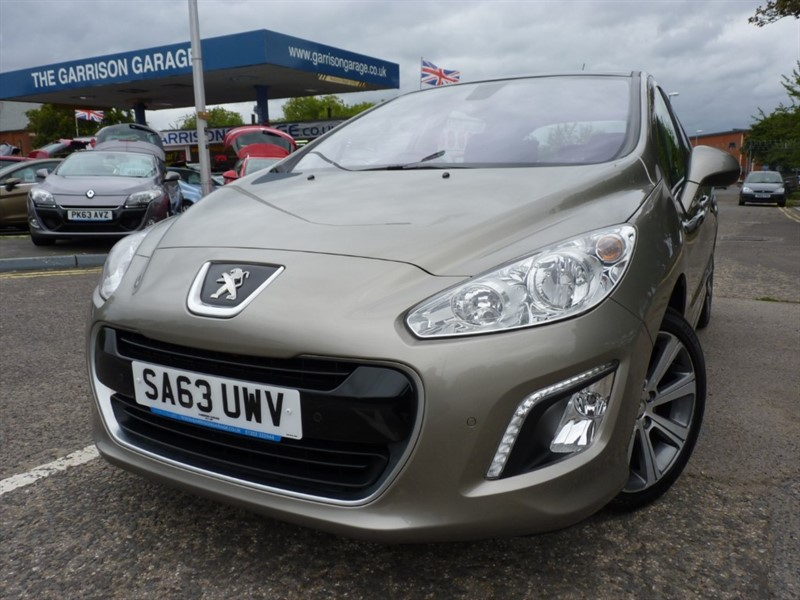 used Peugeot 308 E-HDI ACTIVE NAVIGATION VERSION in hampshire-and-surrey