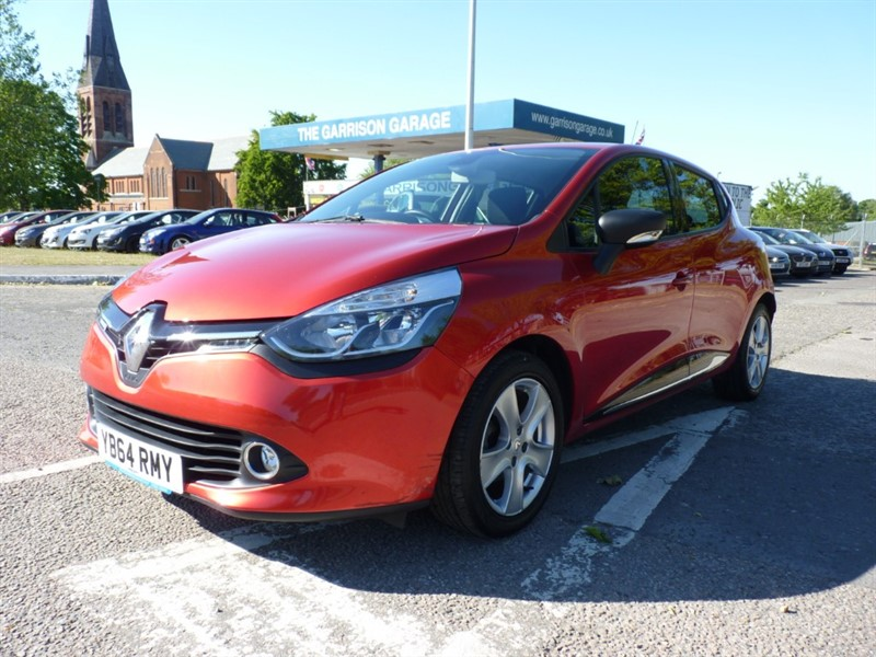 used Renault Clio DYNAMIQUE MEDIANAV in hampshire-and-surrey