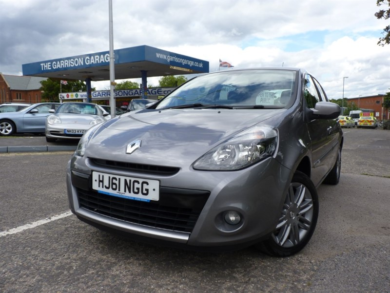 used Renault Clio DYNAMIQUE TOMTOM 16V in hampshire-and-surrey