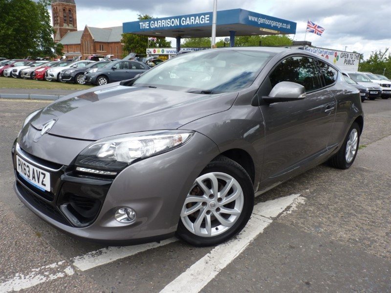 used Renault Megane DYNAMIQUE TOMTOM ENERGY DCI S/S in hampshire-and-surrey