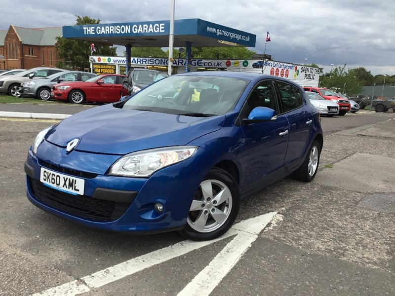used Renault Megane DYNAMIQUE TOMTOM DCI FAP in hampshire-and-surrey