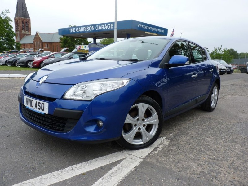 used Renault Megane DYNAMIQUE VVT in hampshire-and-surrey