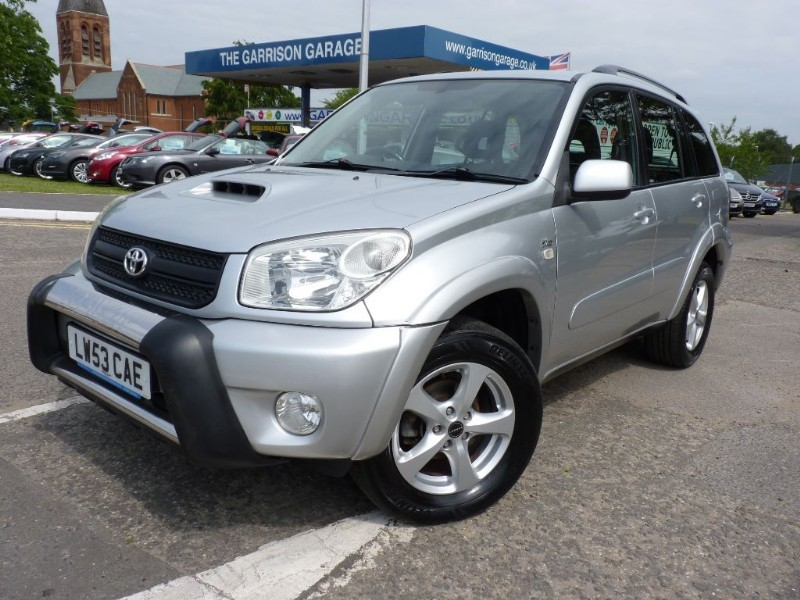 used Toyota  RAV-4 XT3 D-4D in hampshire-and-surrey