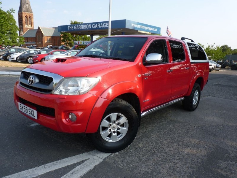 used Toyota Hilux HI-LUX HL3 4X4 D-4D DCB in hampshire-and-surrey