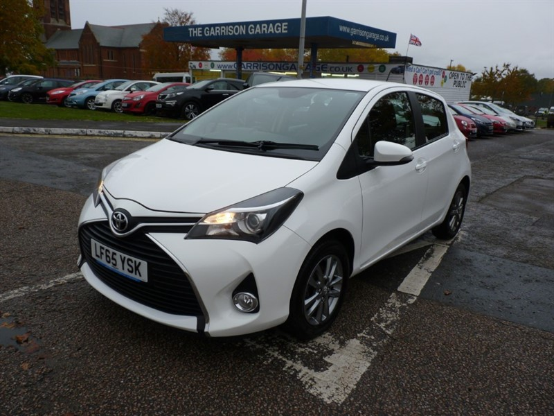 used Toyota Yaris VVT-I ICON M-DRIVE S in hampshire-and-surrey