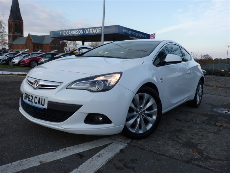 used Vauxhall Astra GTC SRI CDTI S/S in hampshire-and-surrey
