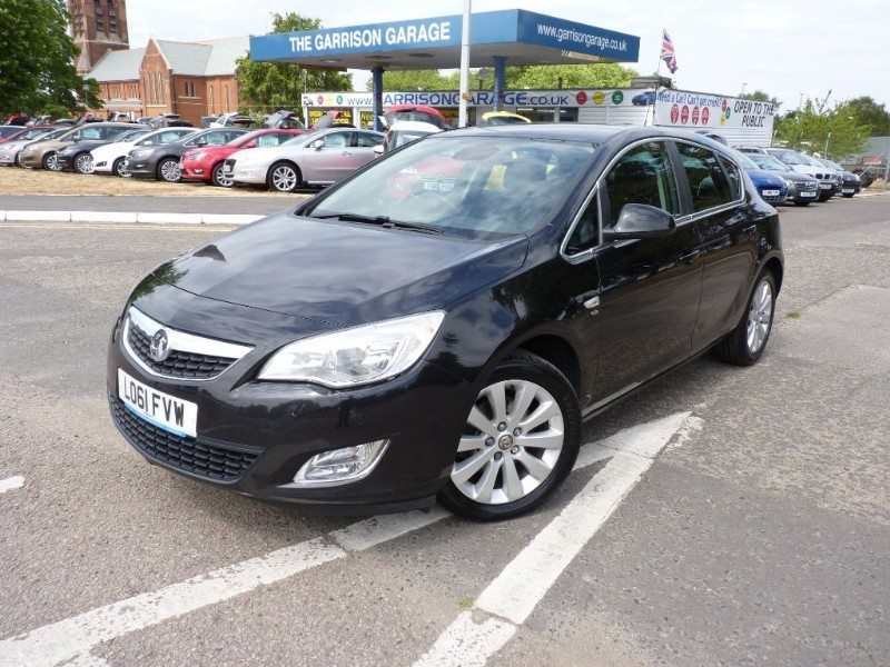 used Vauxhall Astra ELITE CDTI in hampshire-and-surrey