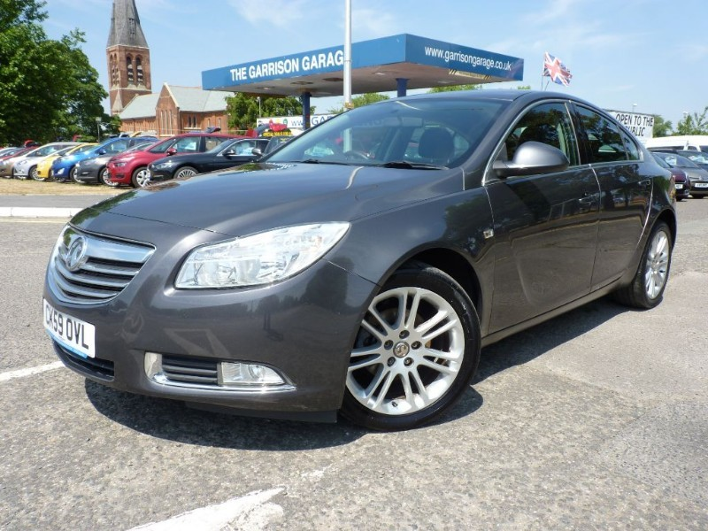 used Vauxhall Insignia EXCLUSIV CDTI in hampshire-and-surrey