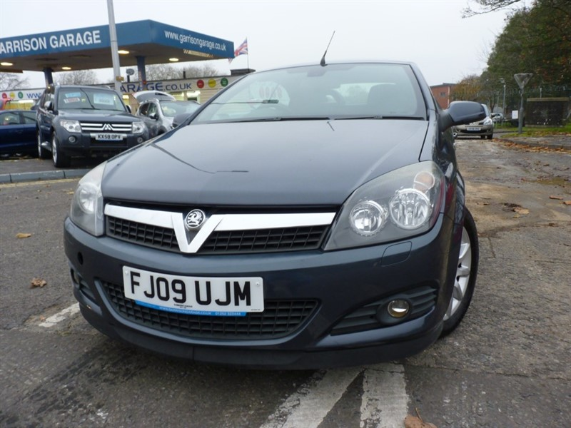 used Vauxhall Astra TWINTOP in hampshire-and-surrey