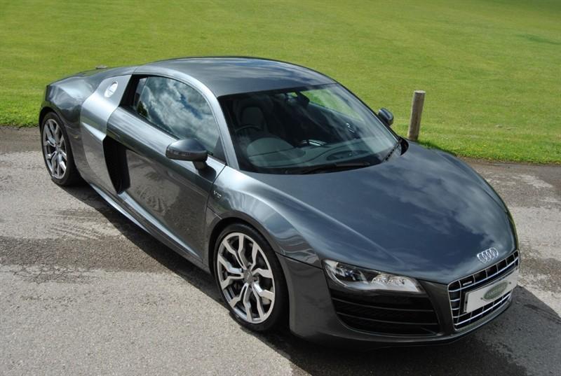 used Audi R8 V10 QUATTRO - MANUAL in west-sussex-surrey